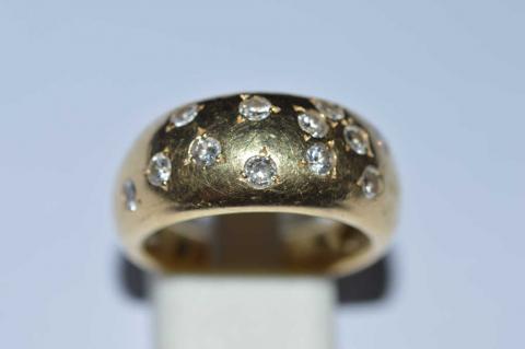 d98f6d4ea50c BAGUE jonc en or jaune sertie de petits diamants, poids.